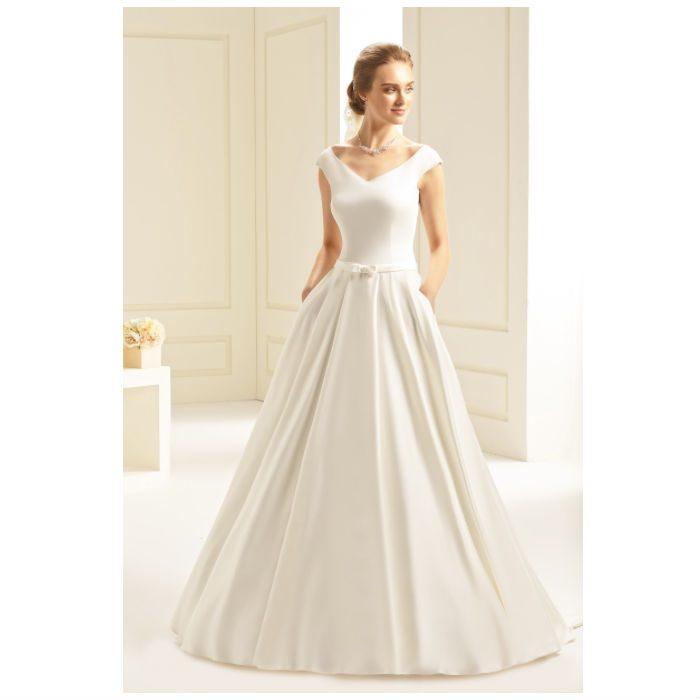 שמלות כלה פשוטות ונפוחות